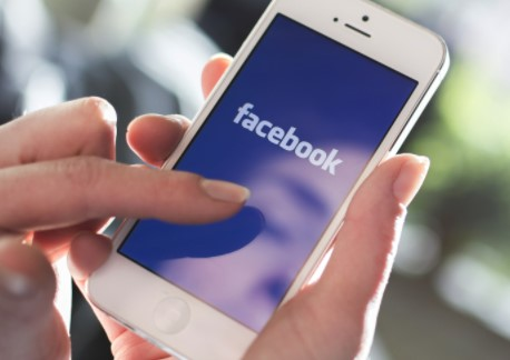 Using the Most Updated Version of Facebook App