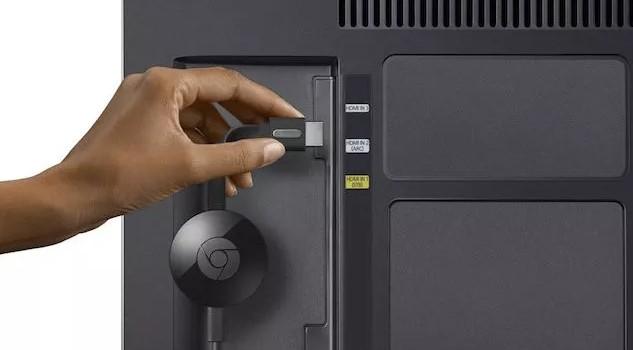 plug your Chromecast into your smart TV samsung