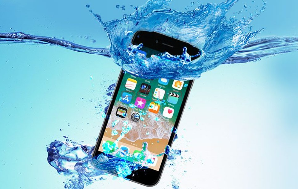 Apple Fined 10 Million Euro in Europe After Claim Water Resistance Features for Misleading Advertising with its iPhone