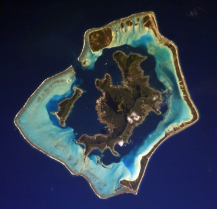 Bora Bora Population